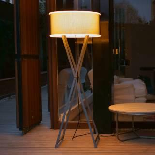Lampadaire d'extérieur CALA 140 / Pieds croisés / Chêne