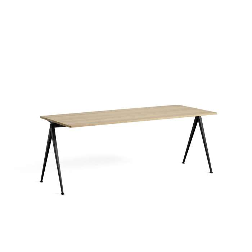 Table à manger PYRAMID 01 / Chêne clair - Piètement noir - HAY