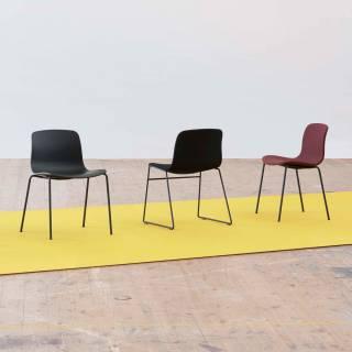 HAY / Chaise AAC16 kaki - pieds noir