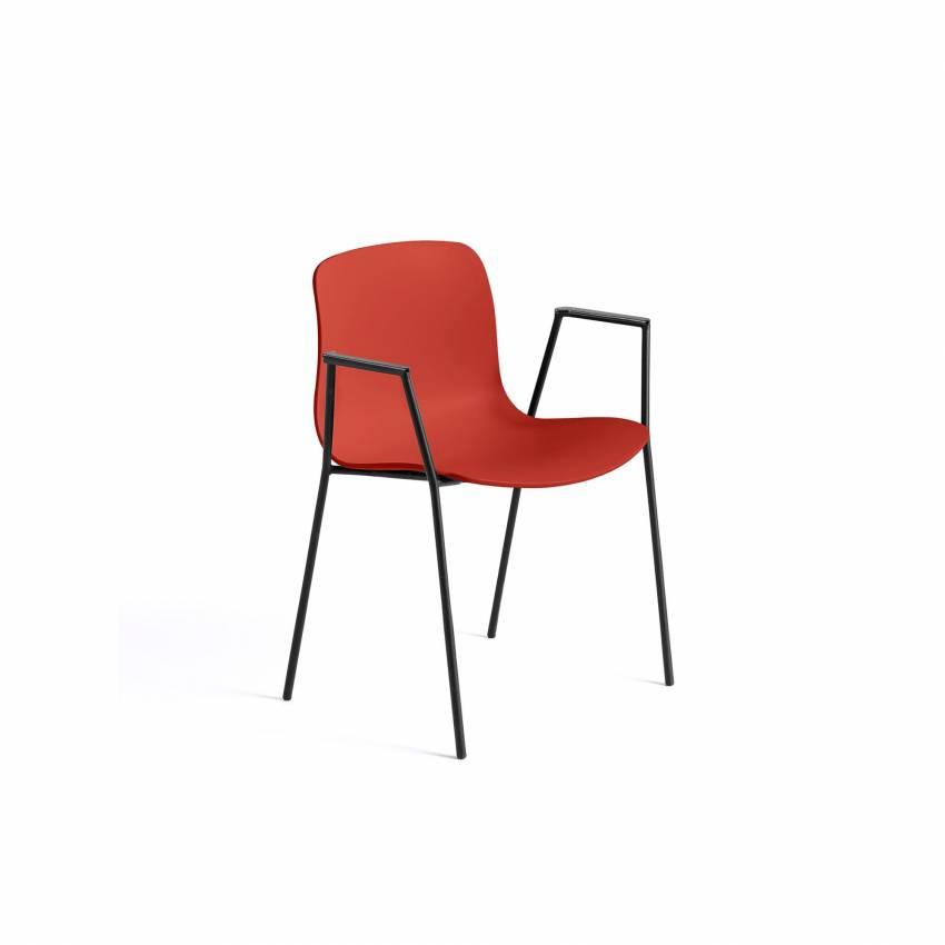 Chaise avec accoudoirs AAC 18 / Rouge pieds noir