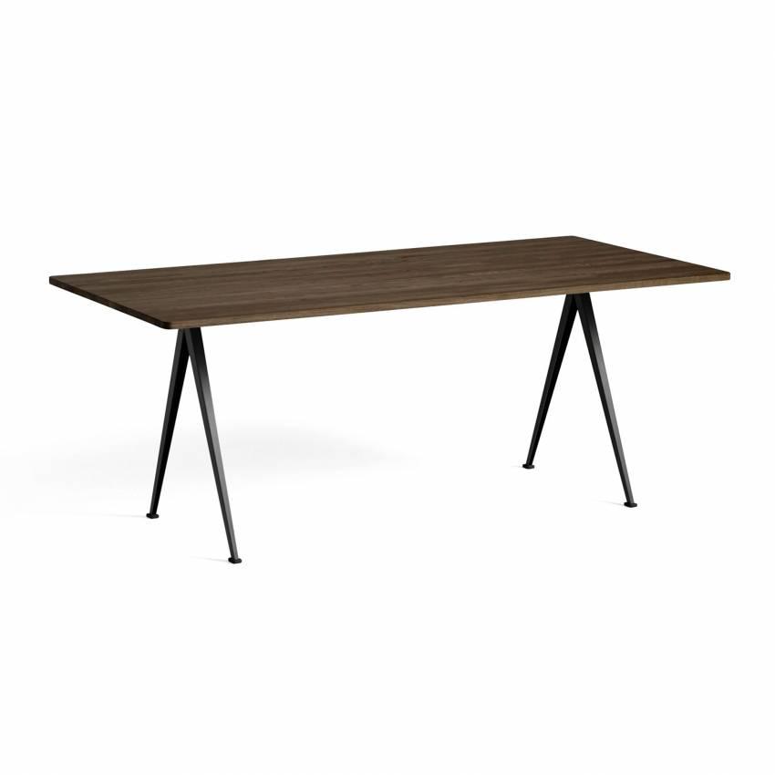 Hay / Table PYRAMID 02 190, 250 et 300 cm chêne fumé, pieds noir ou beige
