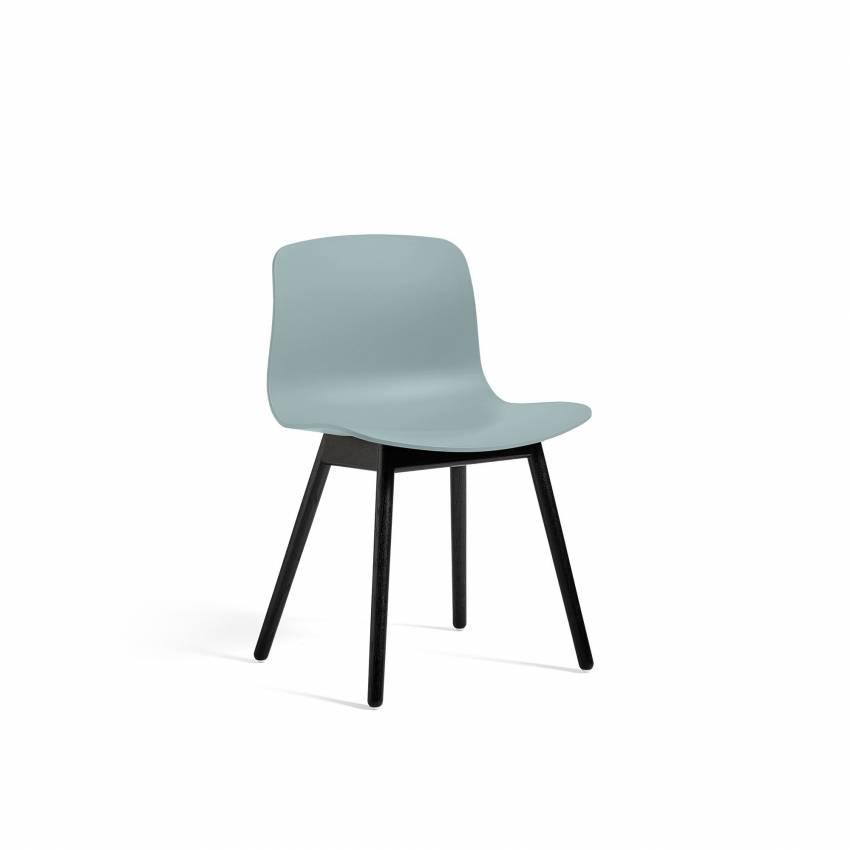 Chaise ABOUT A CHAIR AAC12 / Bleu dusty - Pieds chêne teinté noir - HAY