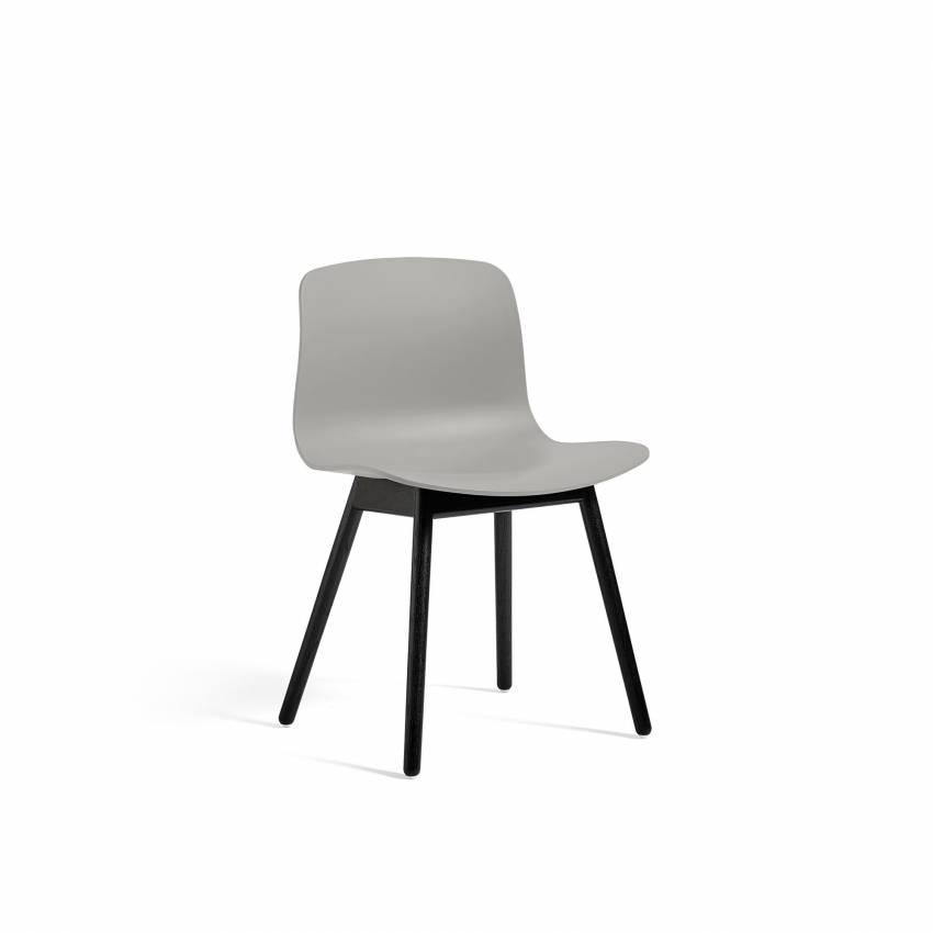 Chaise ABOUT A CHAIR AAC12 / Gris - Pieds chêne teinté noir - HAY