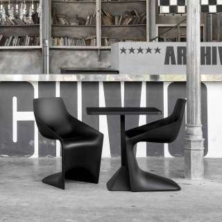 Chaise d'extérieur PULP / Noir / Kristalia