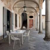 Table modulable outdoor ROUND / 2 modèles / 2 coloris