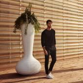 Pot de fleur outdoor BLOOM / H. 1,87 m / Kaki