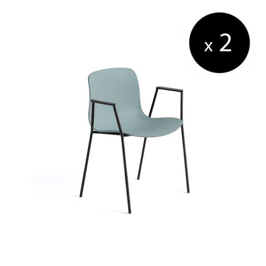 Chaise avec accoudoirs AAC 18 / Bleu dusty pieds noir