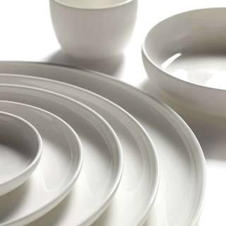 Assiette creuse BASE - 20 ou 24 cm / Porcelaine / Serax