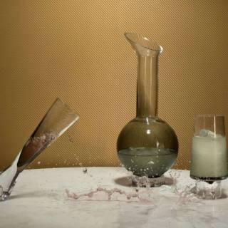 Carafe en verre TANK / H. 35 cm / Noir / Tom Dixon