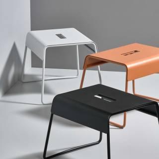 Tabouret design A-STOOL / Métal / Blanc / Zone Denmark