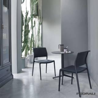 Chaise design ARA 310 - x4 / Noir / Pedrali