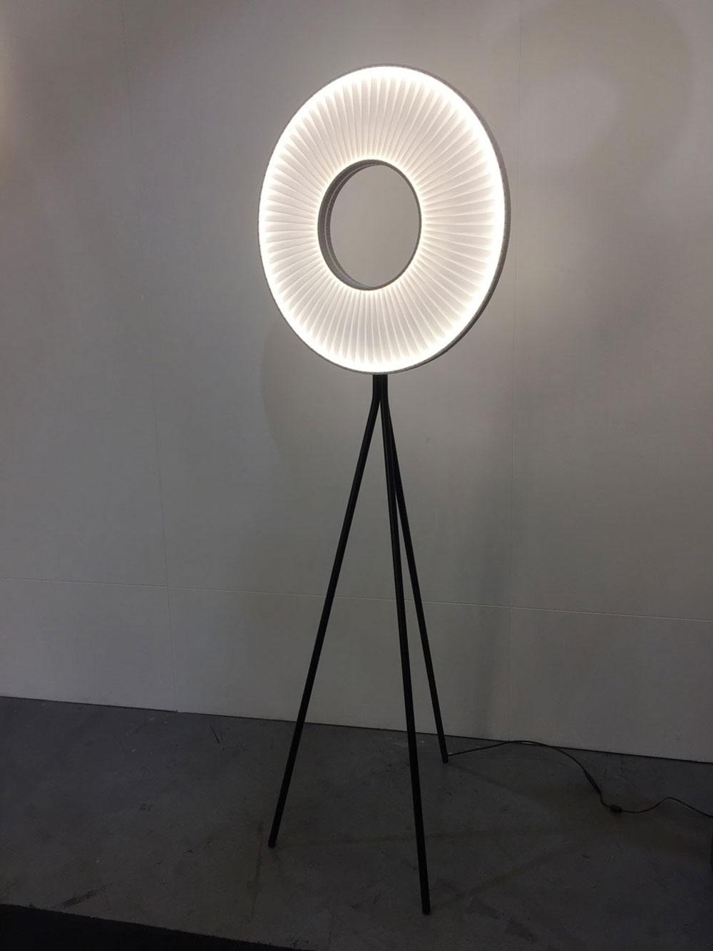 lampadaire-iris-led-bowigo-2.jpg